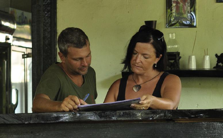 Caroline och Jens flyttade till Thailand med sin familj!