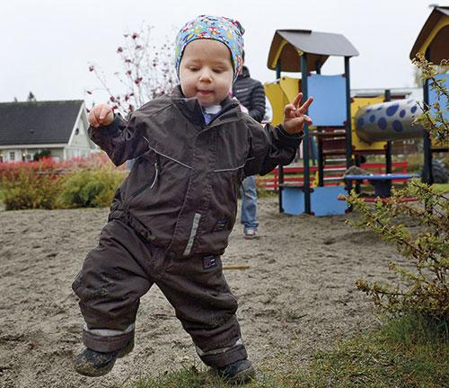 Lille Elias föddes med cancer