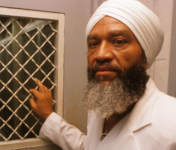 Överstepastorn Hulon Mitchell Jr,som kallade sig Yahweh ben Yahweh, hade stor makt över sina anhängare.