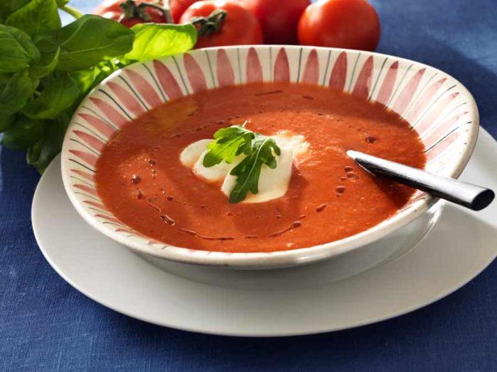 kall-tomatsoppa-med-chili-recept