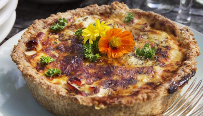 Paj med blomkal och rokt skinka recept