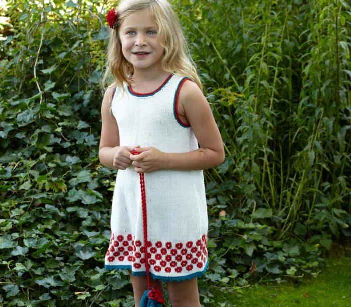stickad-klanning-till-barn-gratis-beskrivning