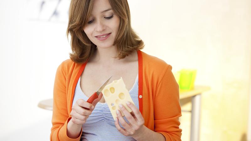 Var inte rädd att äta feta produkter, de har positiv inverkan på din hälsa. Bild: Shutterstock