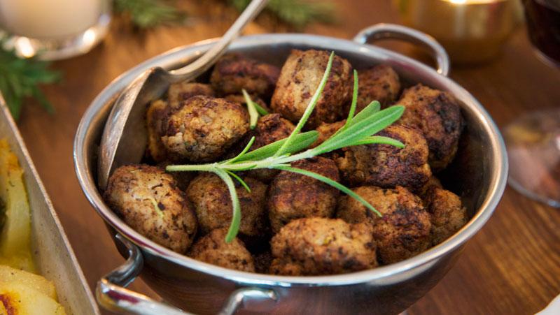 Hemlagade köttbullar pa blandfars recept