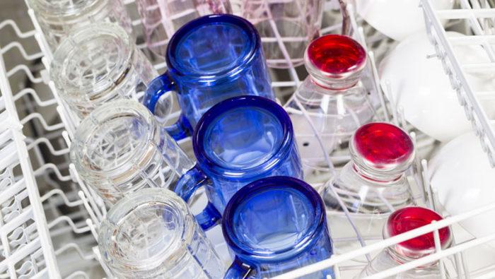 Torka glasen med filtret. Bild: IBL Bildbyrå