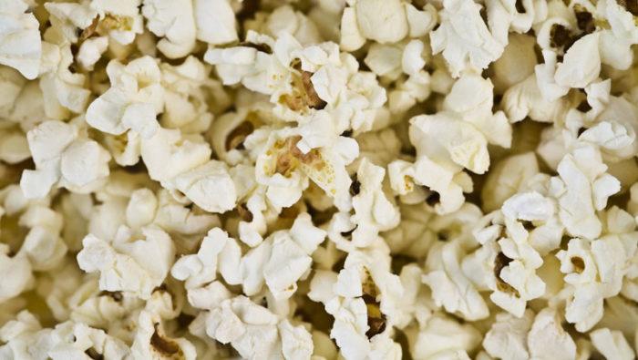 Kaffefiltret kan exempelvis bli en utmärkt skål för popcorn eller andra snacks. Bild: IBL Bildbyrå