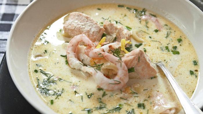 fisksoppa-med-rakor-dill-och-citron-recept
