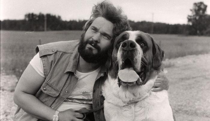 "1982 släppte Hasse Andersson sin stora hitlåt ""Änglahund"". Bild: IBL"