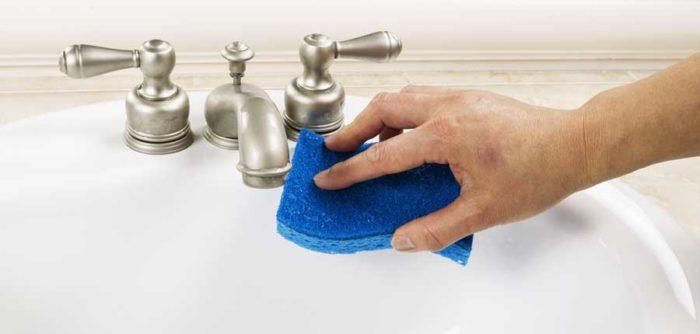 rengöra duschdörrar från kalk
