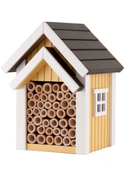 Biholken är framtagen för att likna ett bis naturliga hem, med hjälp av de smala bamburör man placerat inuti.