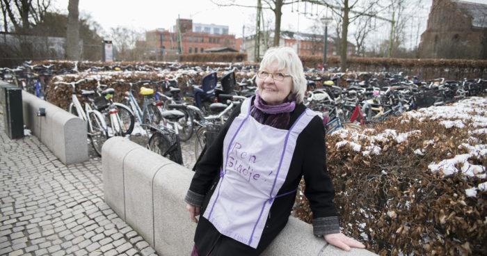 Ann-Kristin städar på Lunds gator