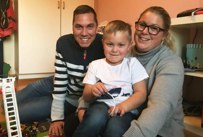Patrik, Emelie och Theo Stenlunh leker mycket tillsammans. Diabetes typ 1.