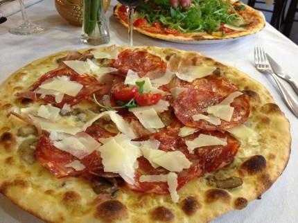 I Ovada finns enligt mig den bästa pizzan! endast 20 minuters bilfärd från slottet.