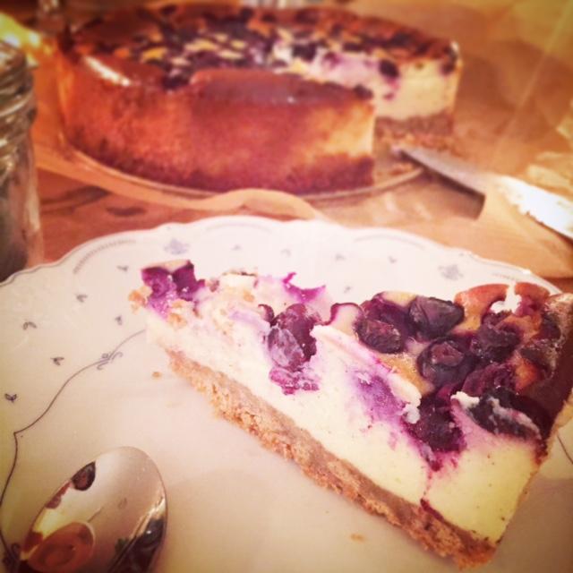 Till dessert bjöd jag på vanilj-och blåbärscheesecake.