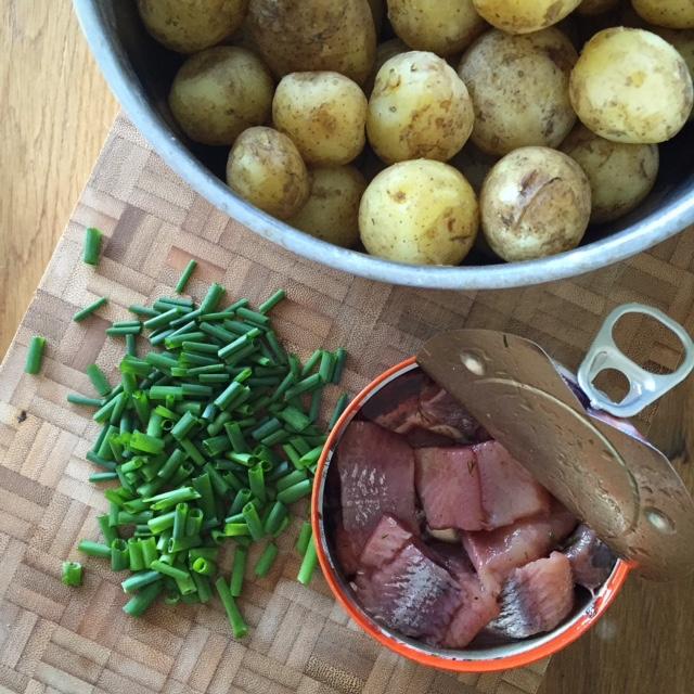 Lägg till gräddfil, kokt ägg och kanske en liten snaps, så är du mer än hemma!