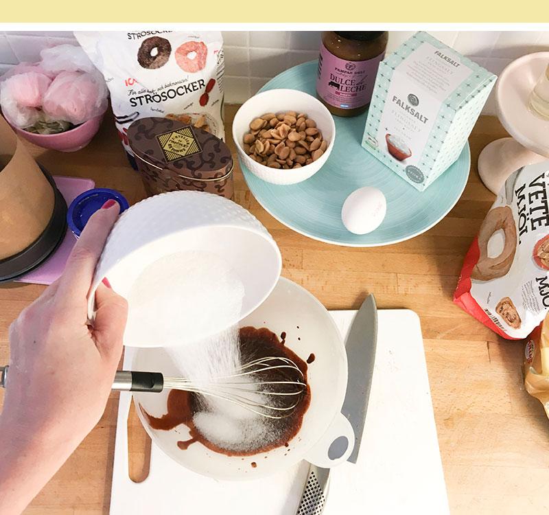 brownie-dulce-de-leche-snickers-recept-02