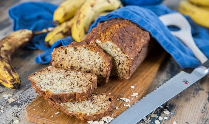 Enkelt saftig bröd med bananer