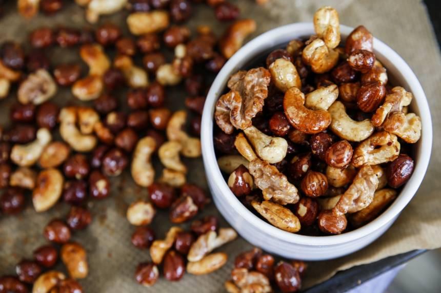 rosta nötter i ugn