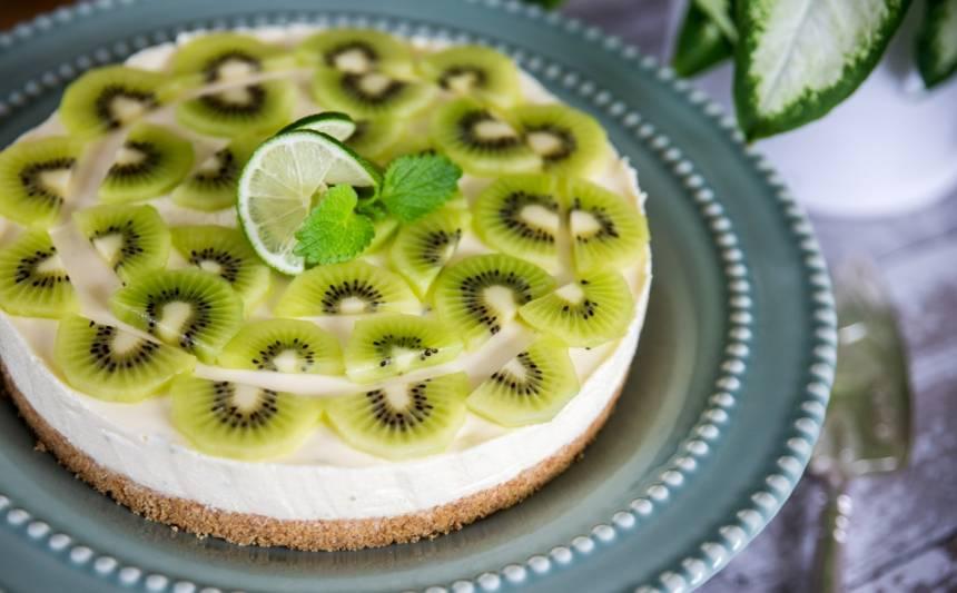 cheesecake med lime och kiwi