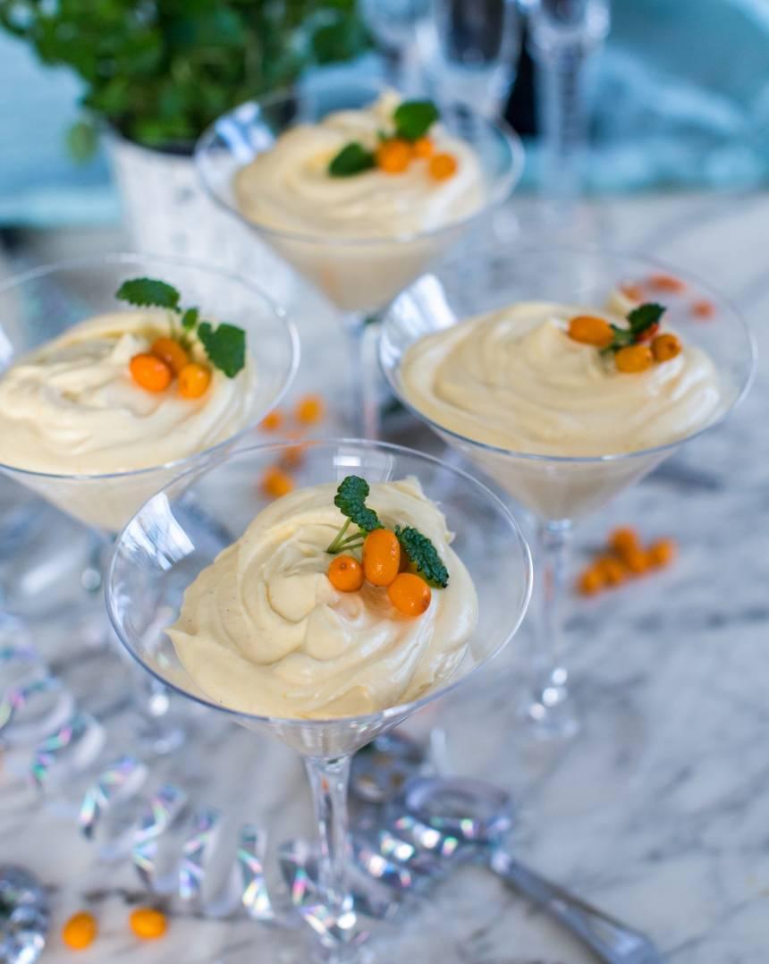 perfekt dessert till nyår med vit choklad och havtorn