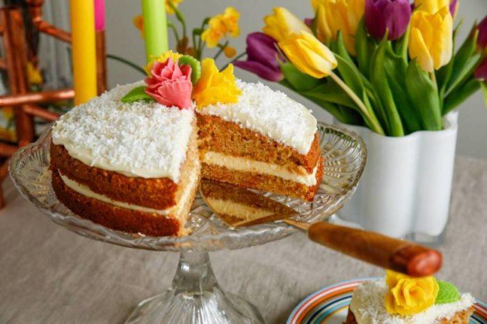 God och enkel morotstårta