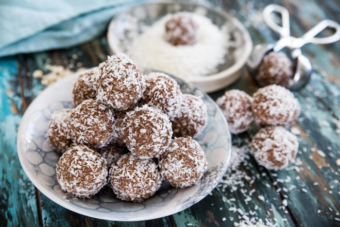recept på kokos och chokladbollar