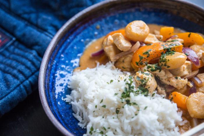 Gryta med röd curry, gaeng ped