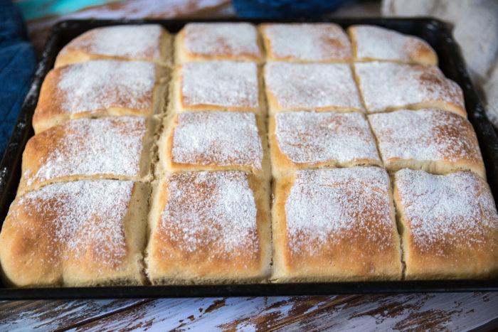 saftigt bröd i långpanna med havregryn