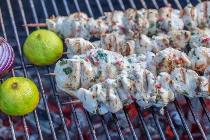 Goda smakrika kycklingspett till grillen